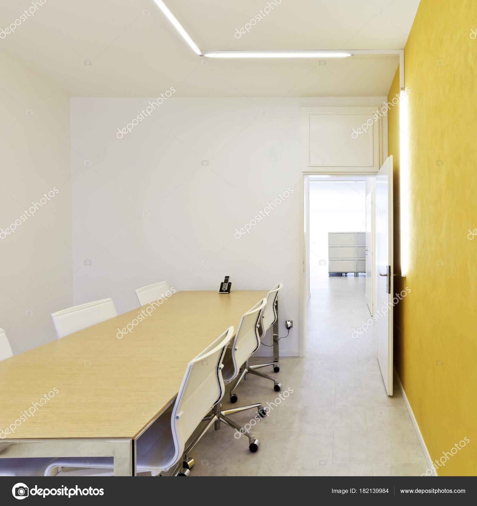 Moderne Büro Innenarchitektur Tagungsraum — Stockfoto © Zveiger ...