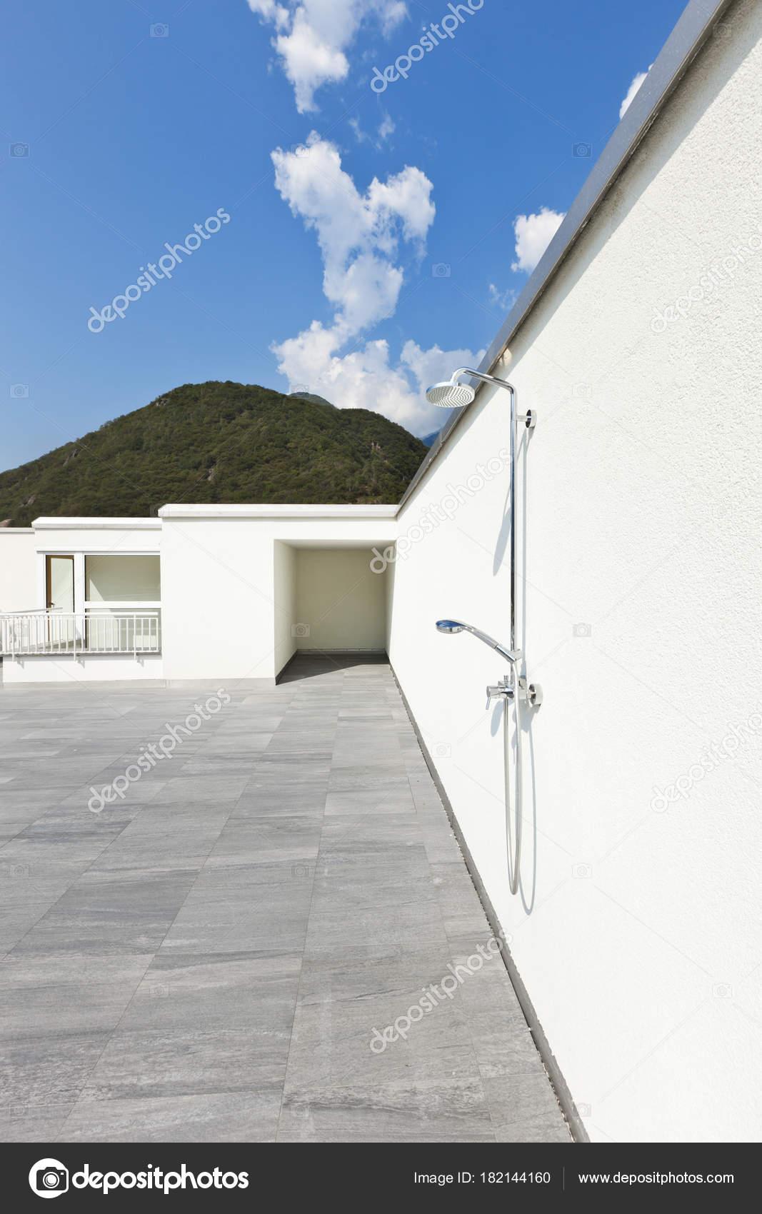 moderne Architektur, Einfamilienhaus — Stockfoto © Zveiger #182144160