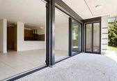 Fotografia architettura moderna, nuovo appartamento vuoto