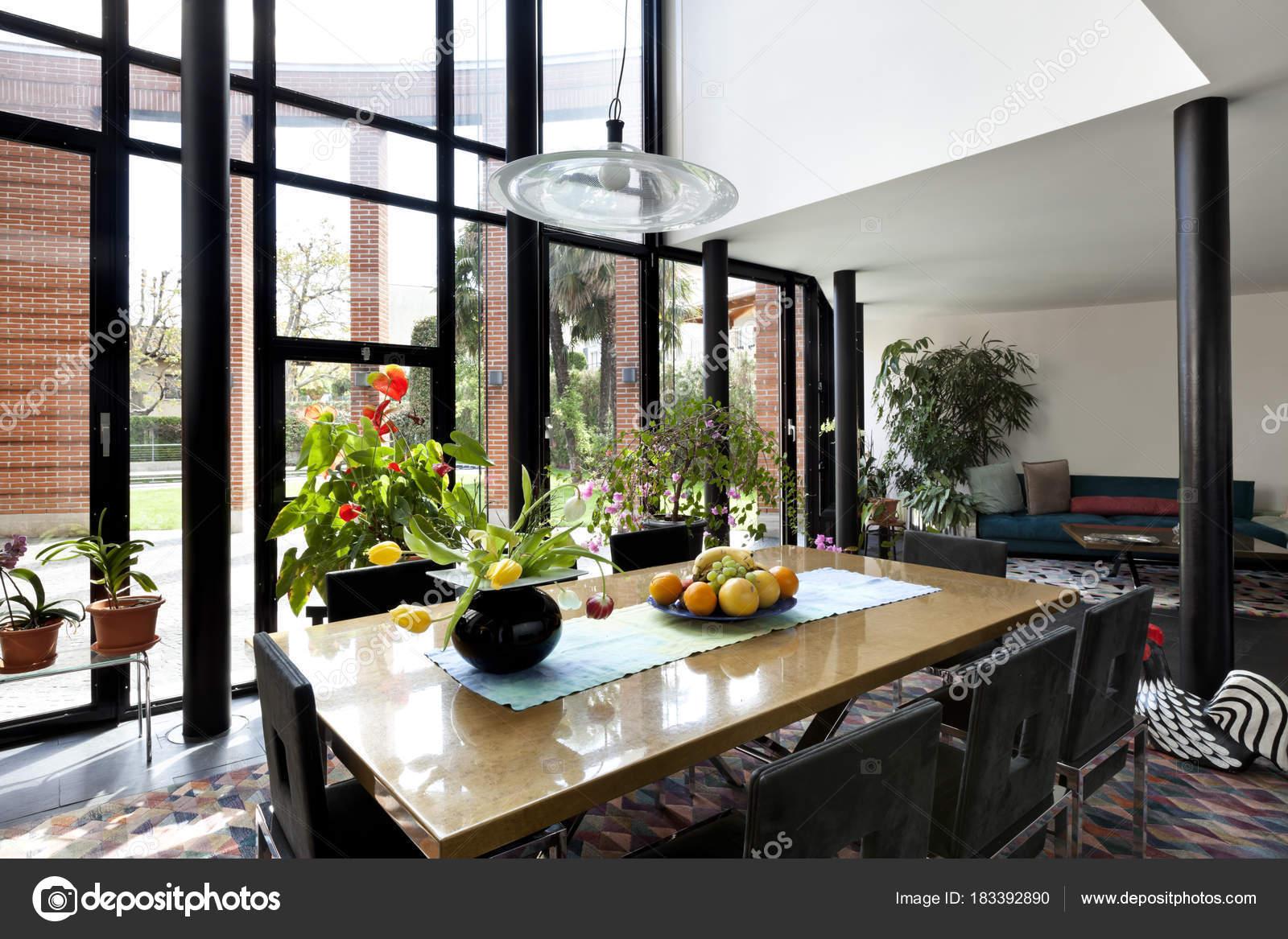 Architecture intérieure, maison moderne — Photographie ...