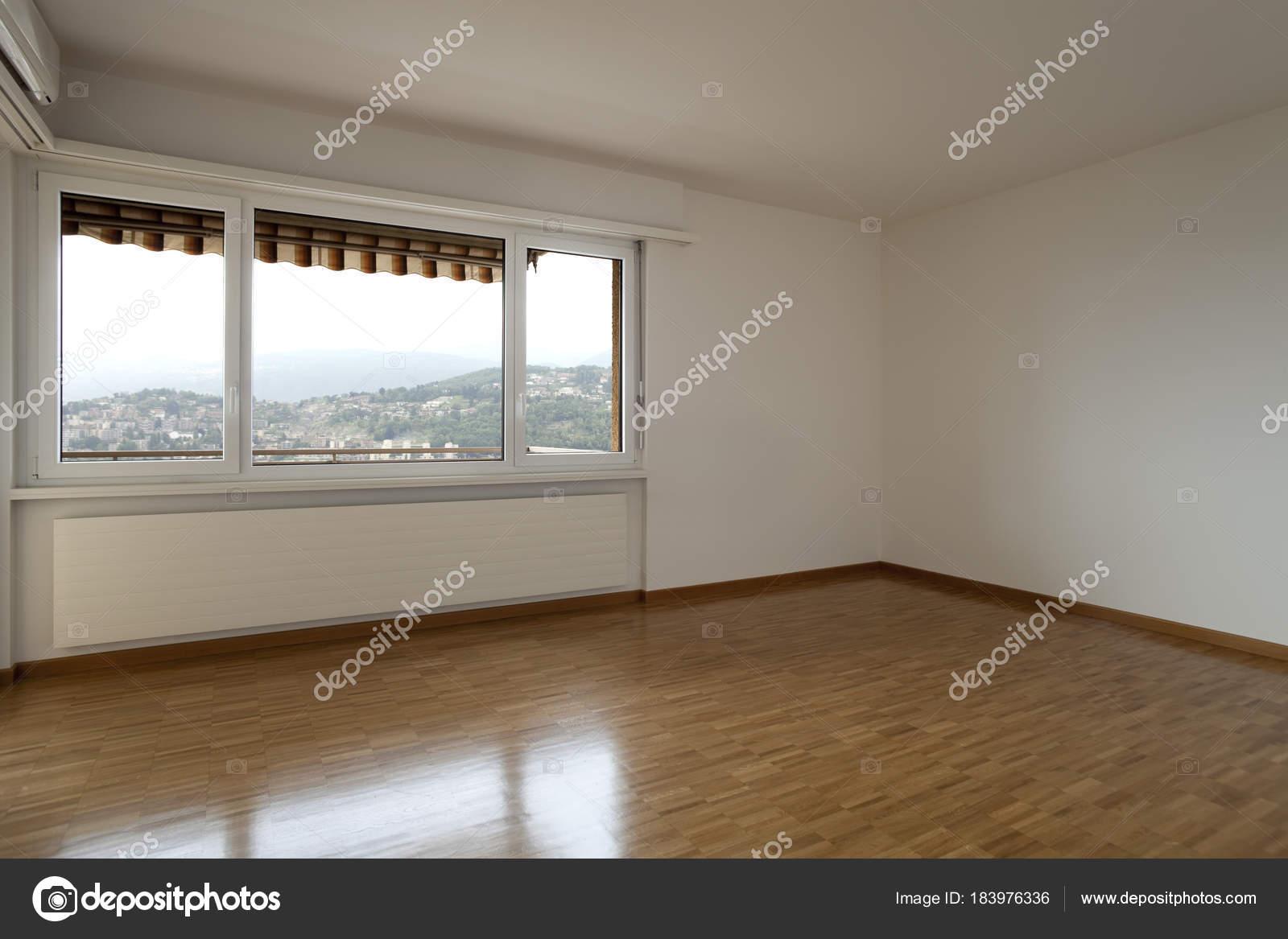 Vide Chambre Moderne Avec Windows Photographie Zveiger C 183976336