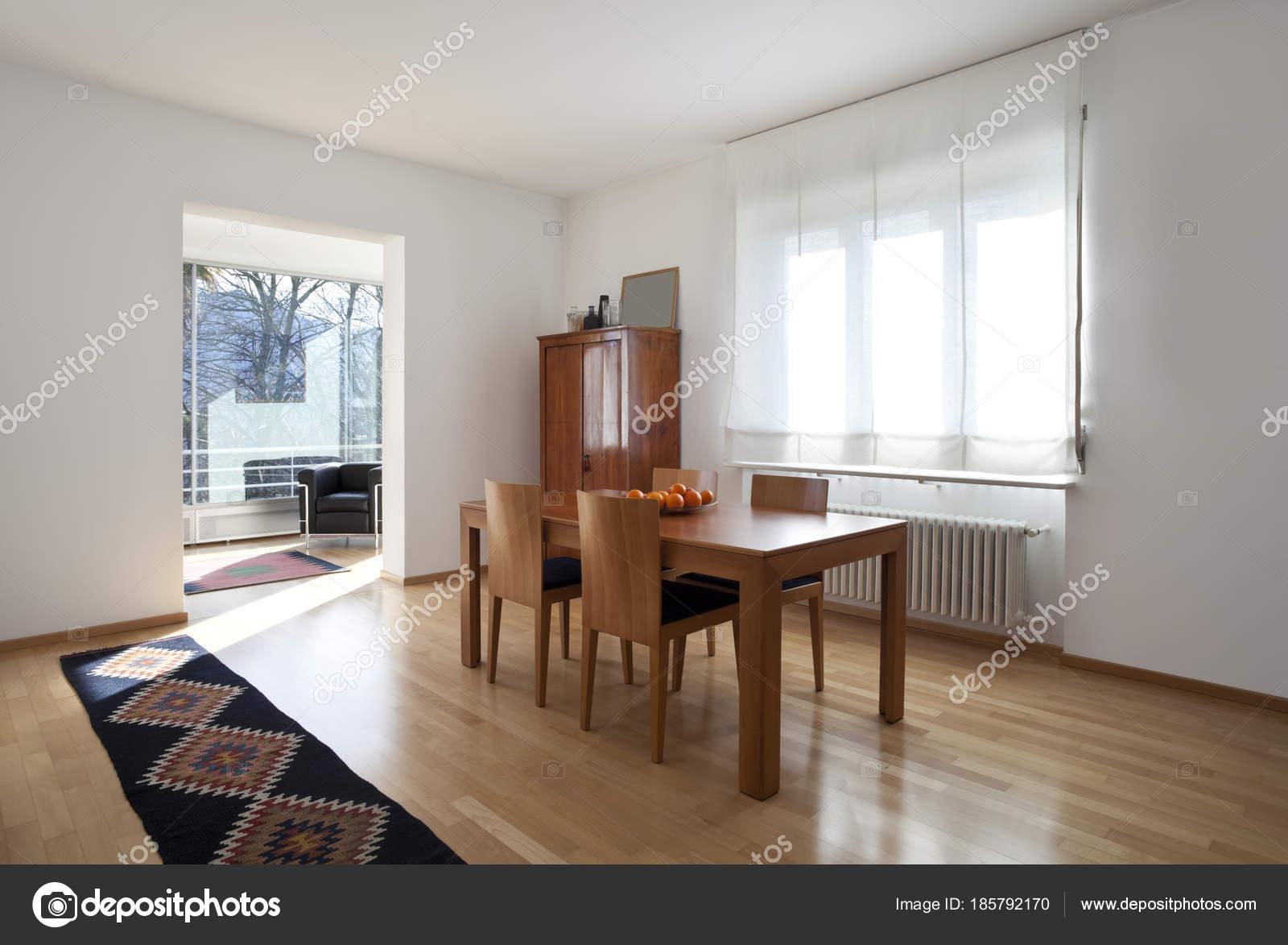 intérieur de la maison contemporaine classique — Photographie ...