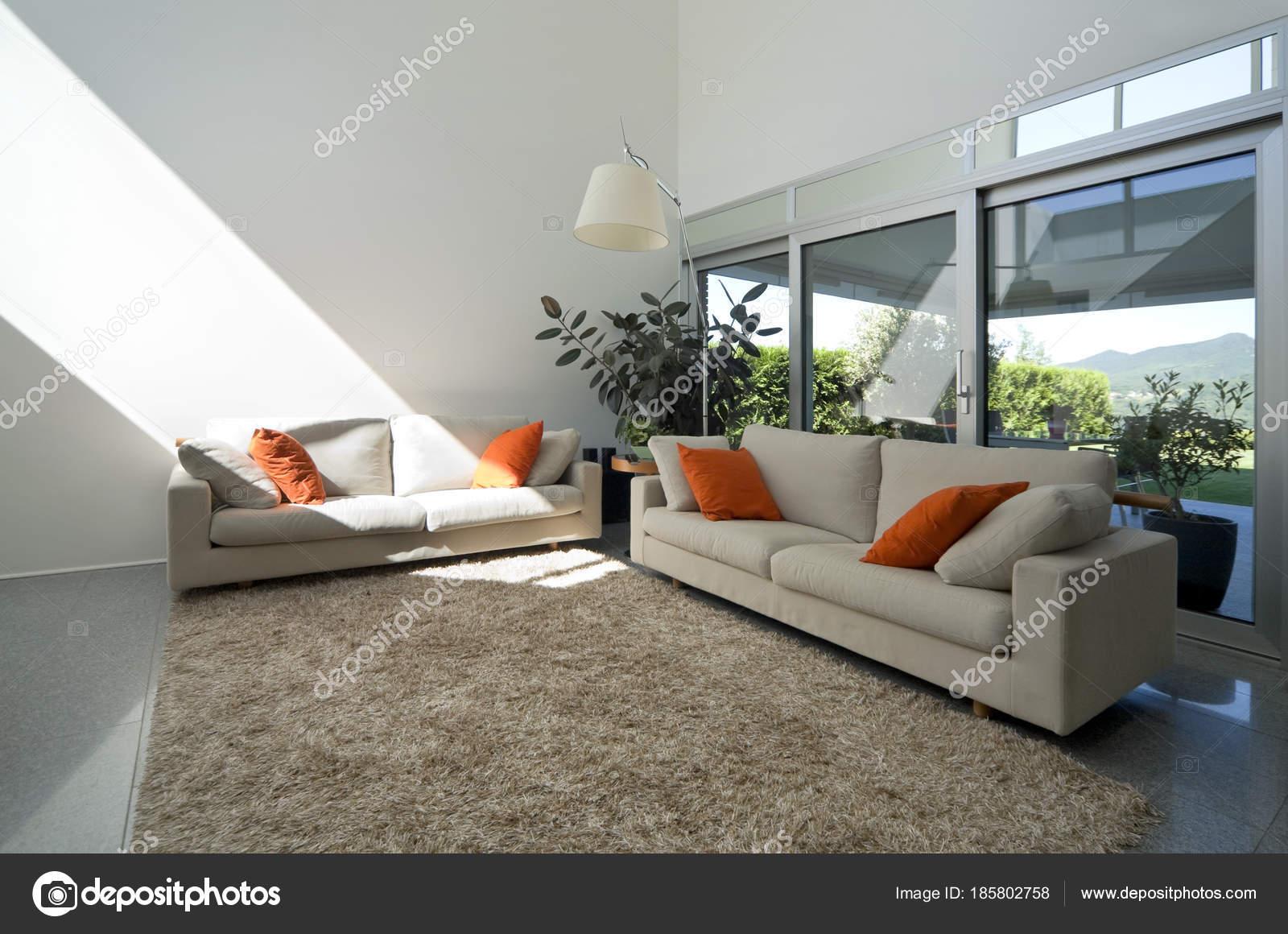 Luxe villa interieur, woonkamer — Stockfoto © Zveiger #185802758