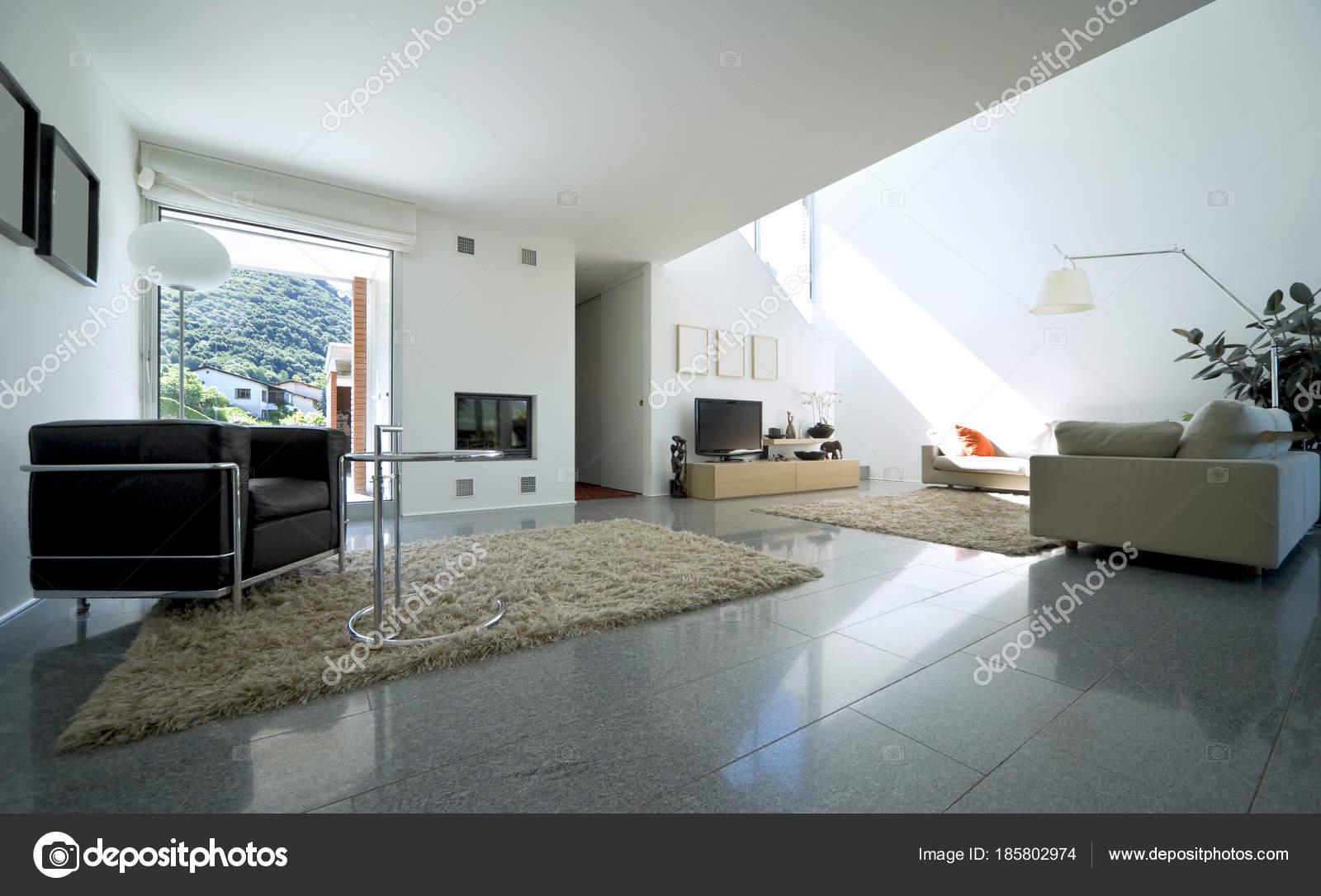 Luxe villa interieur, woonkamer — Stockfoto © Zveiger #185802974