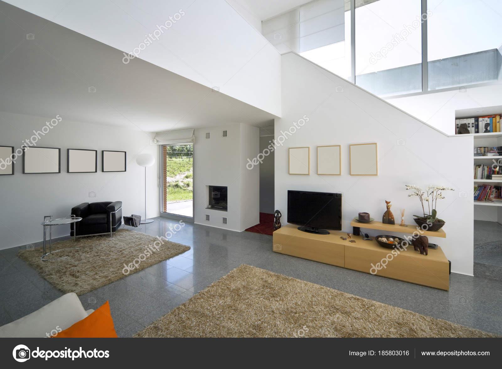Luxe villa interieur, woonkamer — Stockfoto © Zveiger #185803016