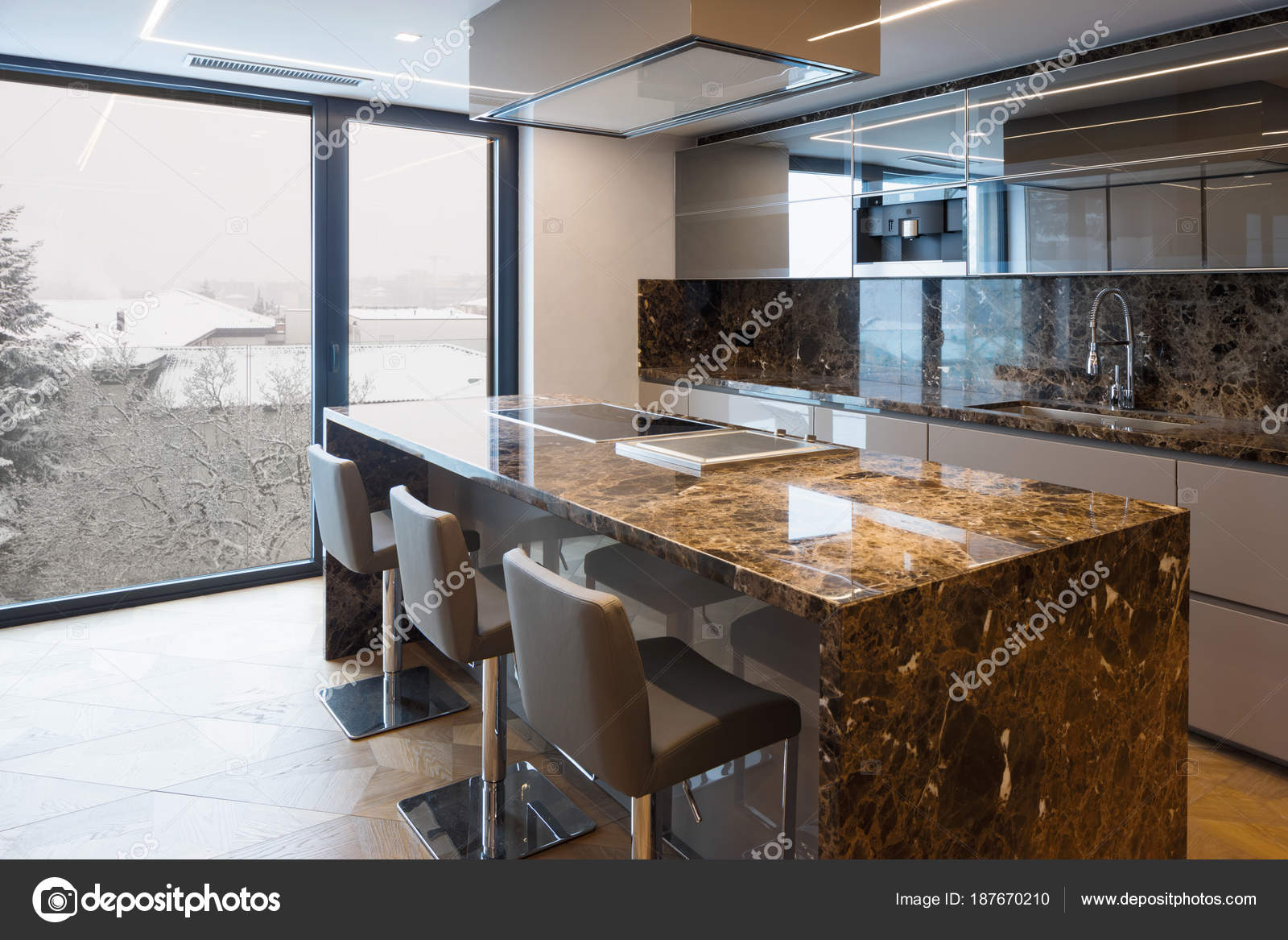 Moderna Cozinha Em M Rmore Com Ilha Stock Photo Zveiger 187670210