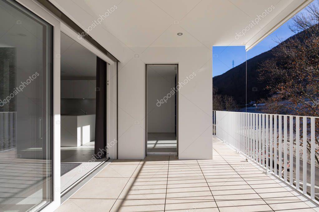 Im genes barandas para terrazas terraza de casa moderna con baranda foto de stock zveiger - Cerramiento terraza sin licencia ...
