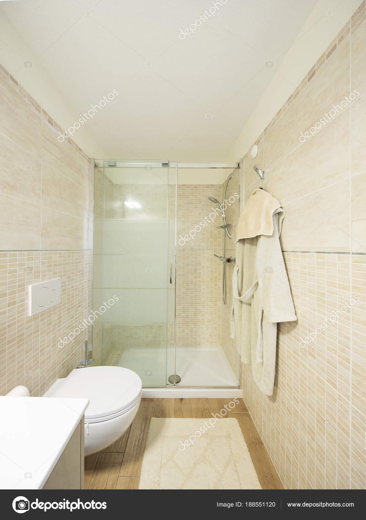 Modernes Bad Mit Fliesen. Große Dusche U2014 Stockfoto