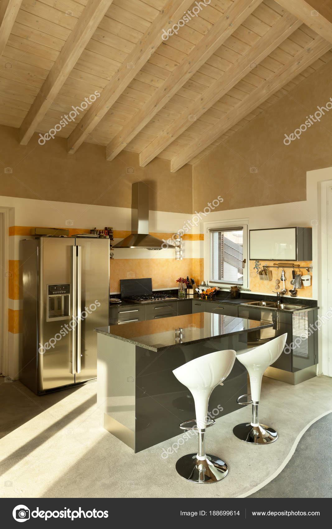 Loft Interior Nova Decorado Ilha Cozinha Com Duas Cadeiras Stock
