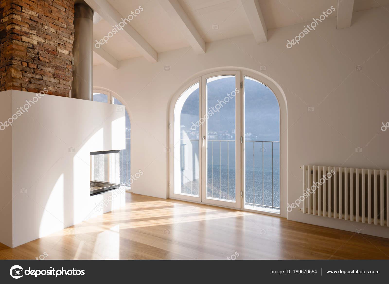 Modernes Wohnzimmer Mit Kamin In Der Mitte U2014 Stockfoto
