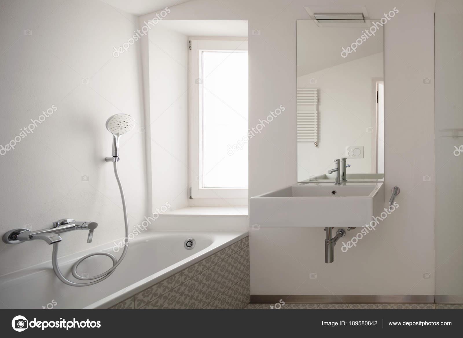 Piastrelle bagno stock perfect moderno bagno con doppia vasca