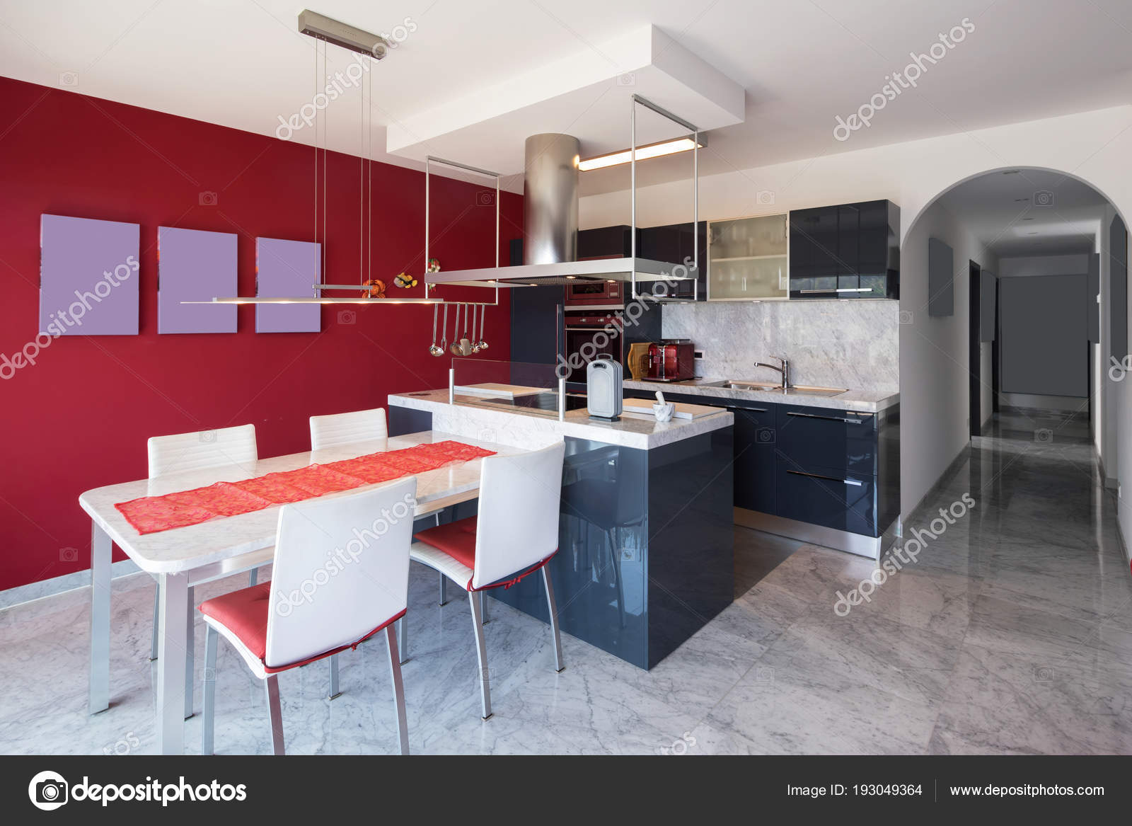 Cozinha Moderna Com Ilha Mesa De M Rmore E Cadeiras De Couro