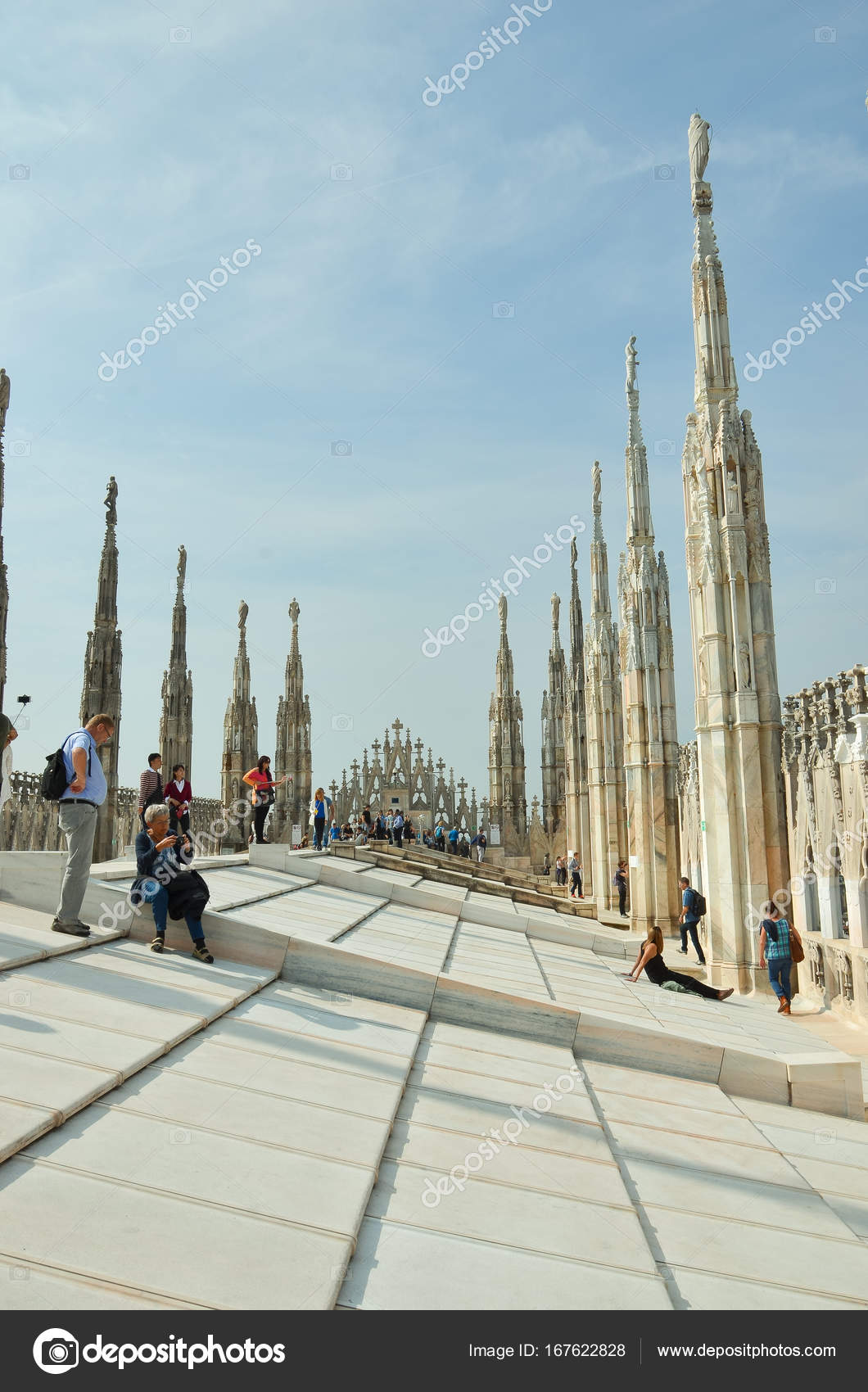 Terrazze del Duomo Cattedrale di Milano — Foto Editoriale Stock ...