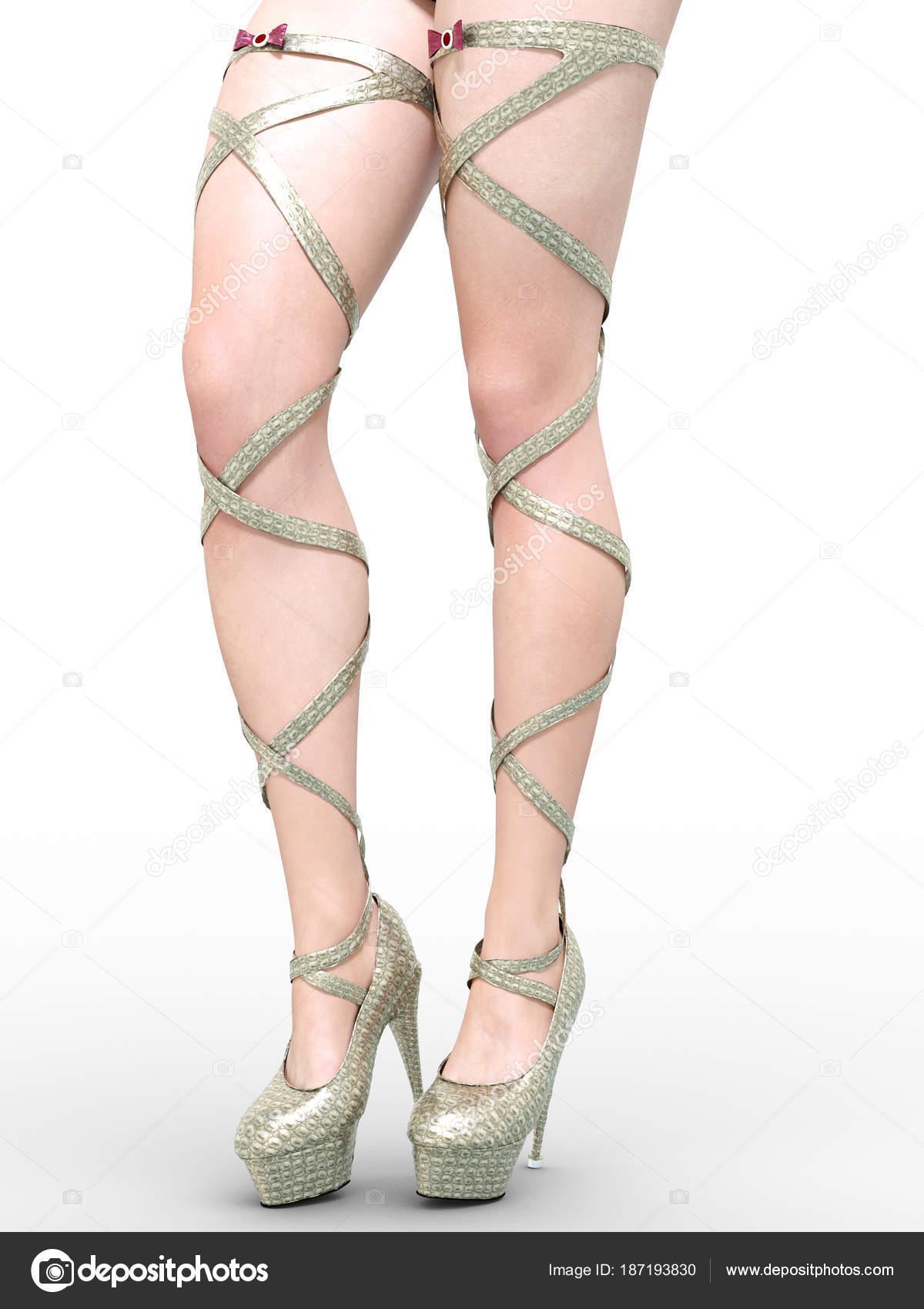 Стройные женские ноги сексуально