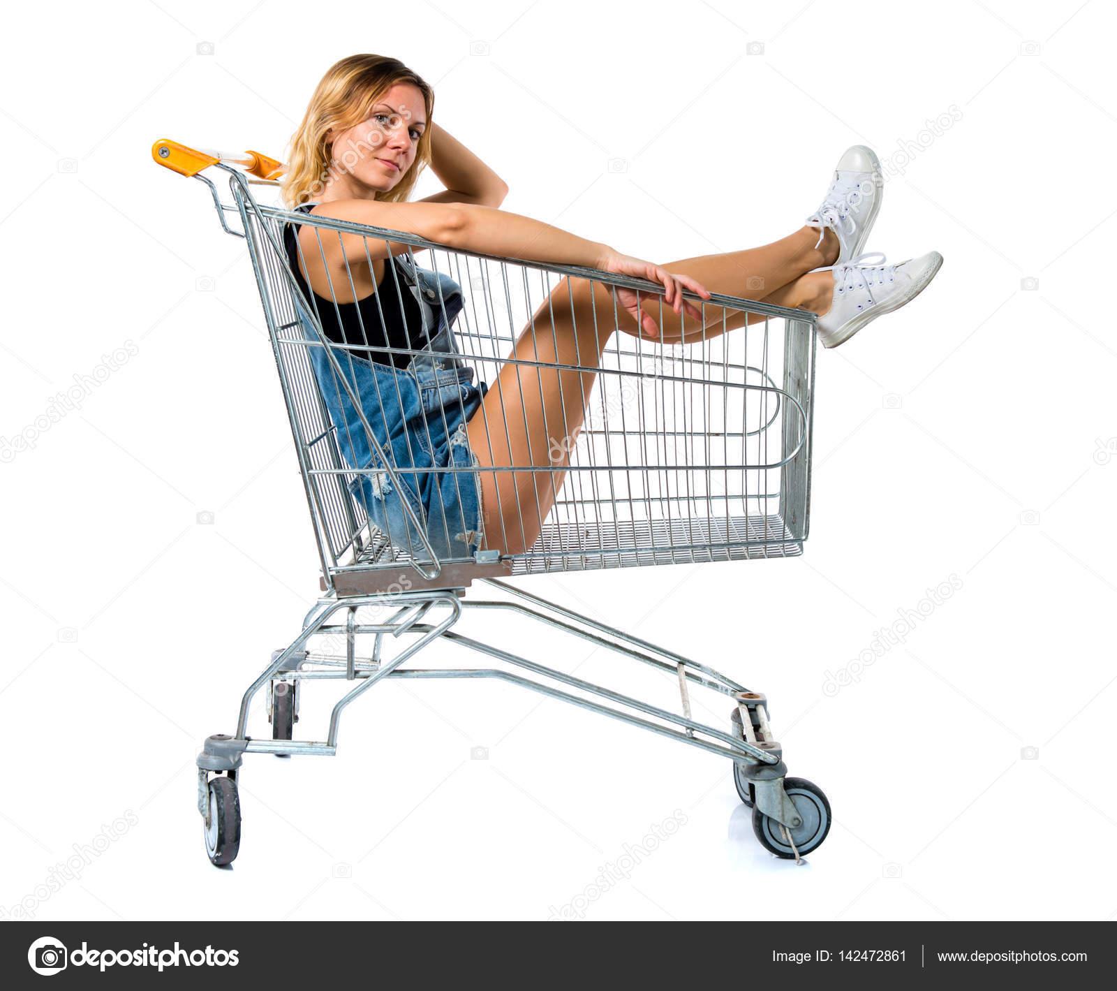 Resultado de imagem para mulher dentro carrinho de compras