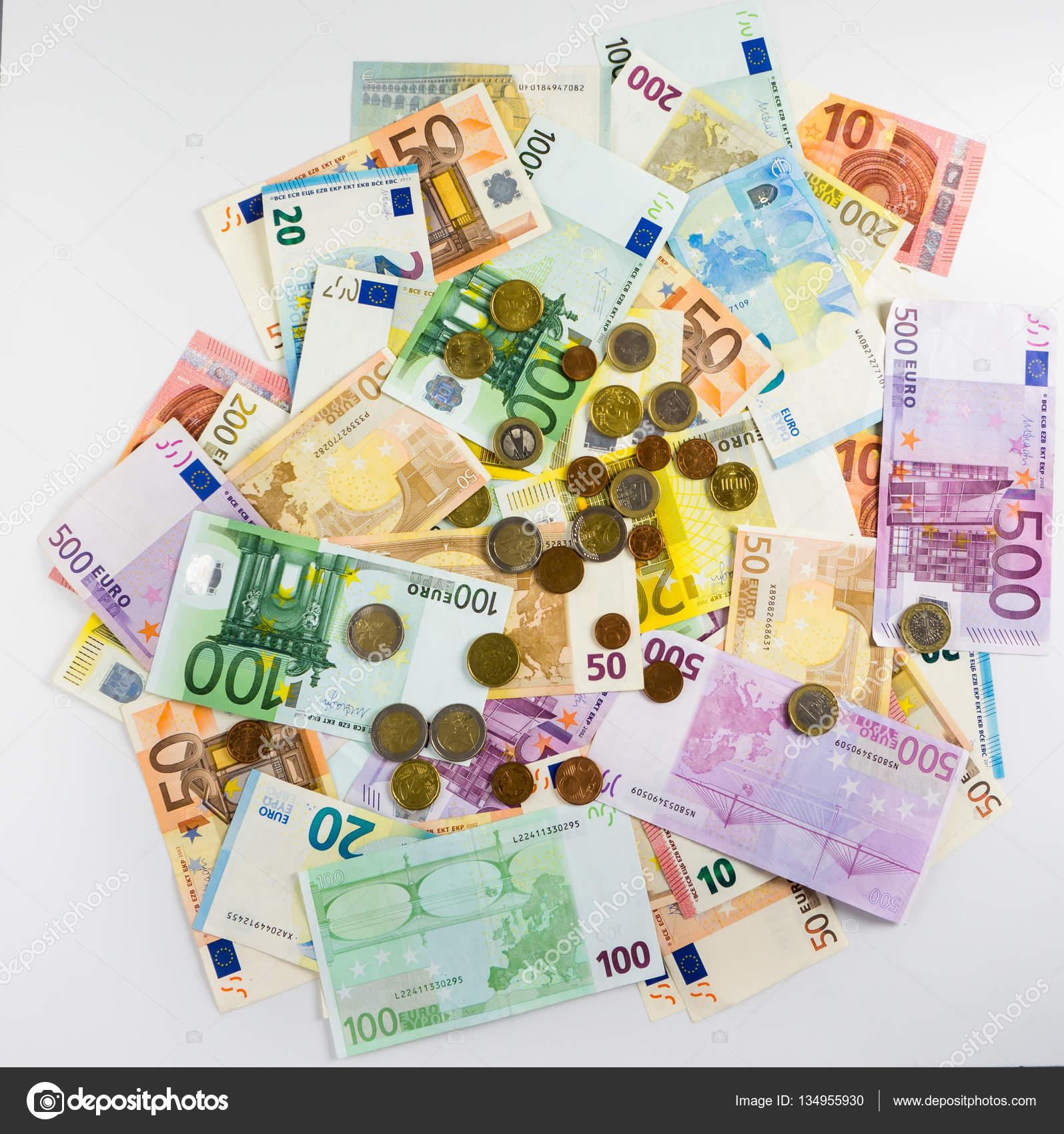 Euro Banknoten Und Münzen Geld Finanzen Konzept Bar Auf Weißen Bac