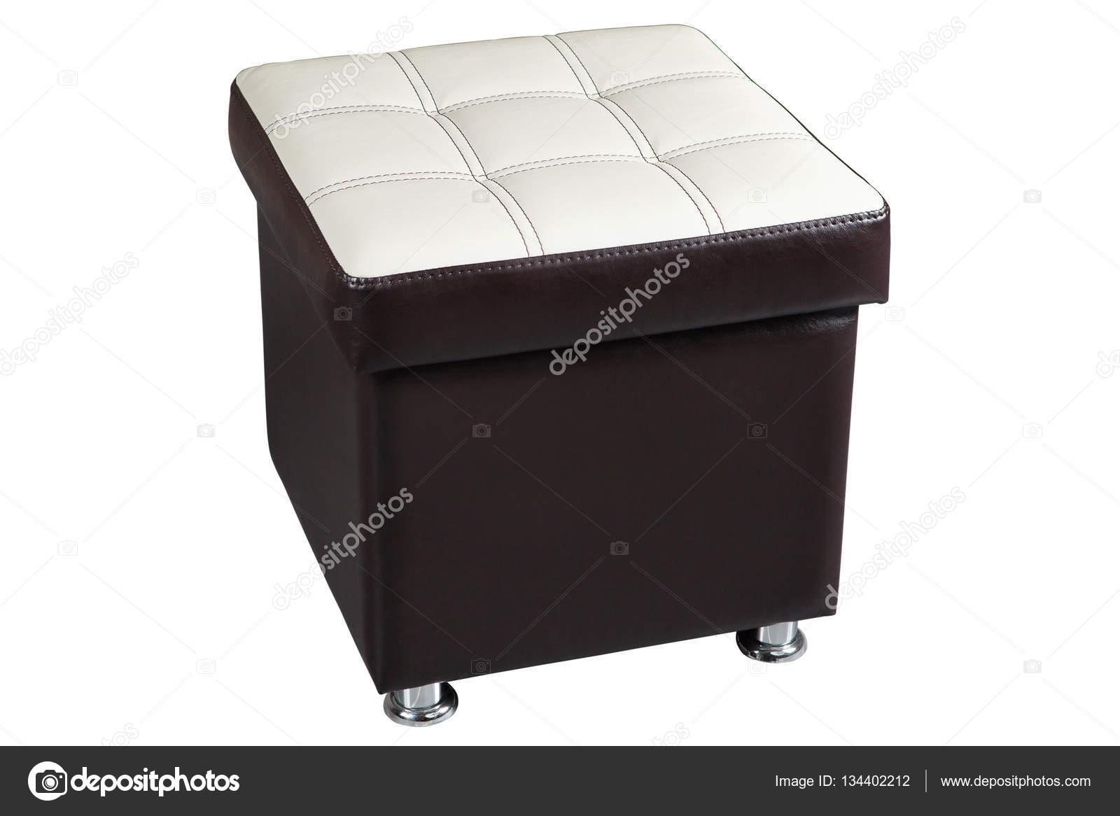 Asiento de la silla de cuero oscuro otomana con tapa blanco — Foto ...