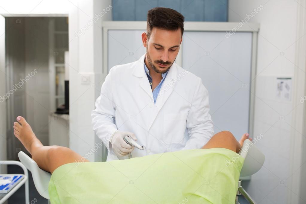 затискает, мужской гинеколог фото смотря