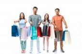 Fotografie schöne Freunde mit Einkaufstaschen mit Verkaufsschildern, isoliert auf weiß