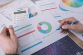 Fényképek Az információbiztonsági elemző tervezési stratégiájának áttekintése táblázatos táblázatokkal
