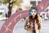 Mädchen mit illustriertem Gesicht und Rucksack in der Stadt, befreien Sie sich Illustration