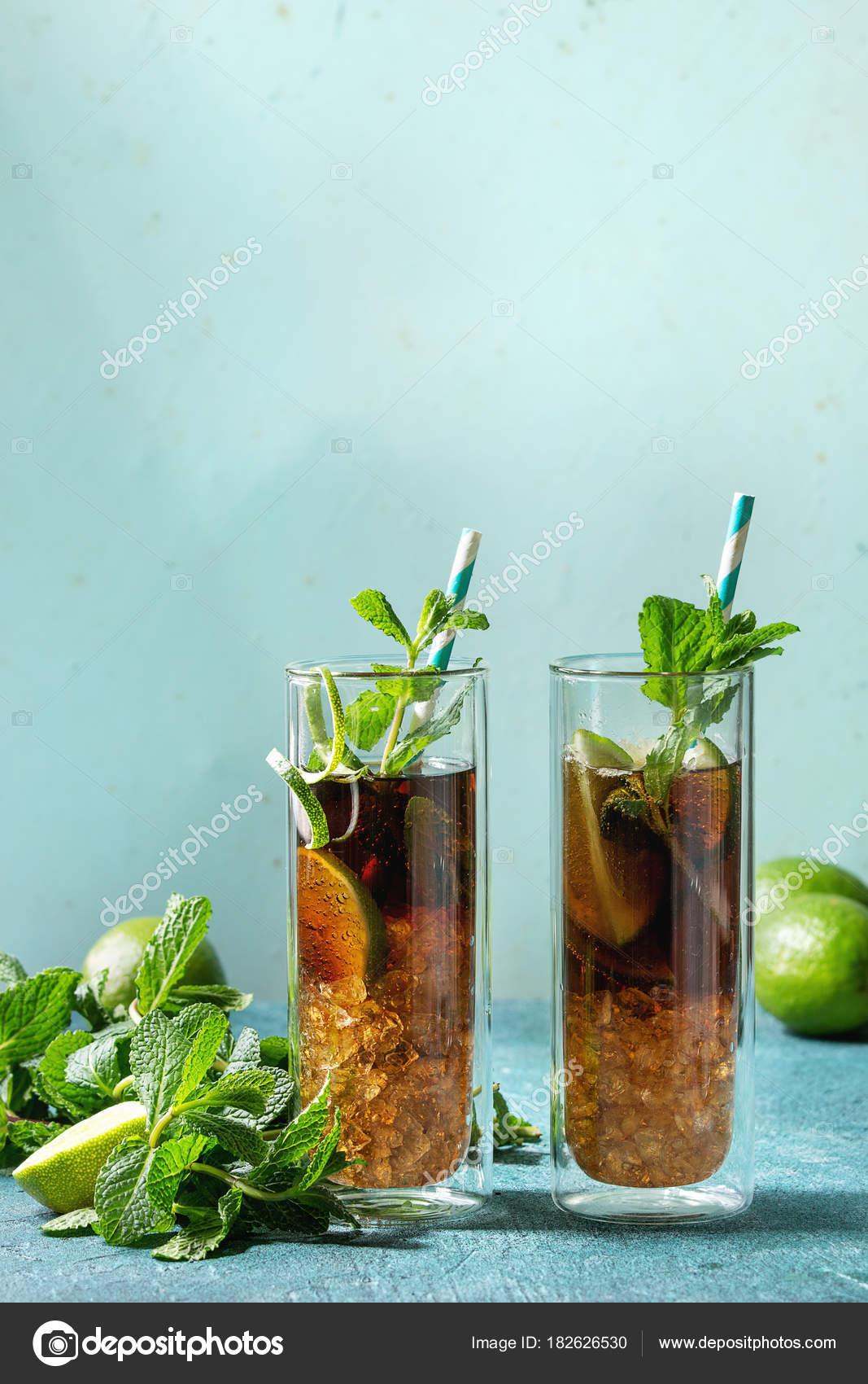 Schön Zutaten Cuba Libre Das Beste Von Zwei Gläser Von Klassischen Cocktail Mit Limette,
