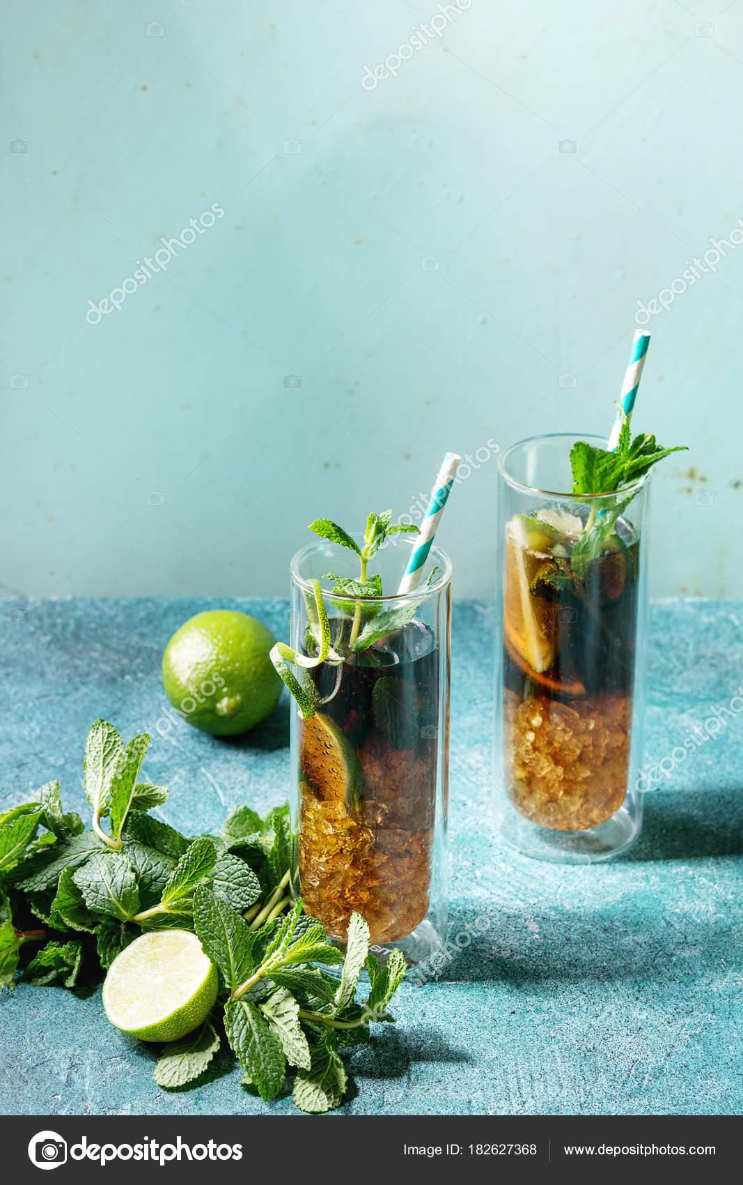 Inspirierend Zutaten Cuba Libre Galerie Von Zwei Gläser Von Klassischen Cocktail Mit Limette,