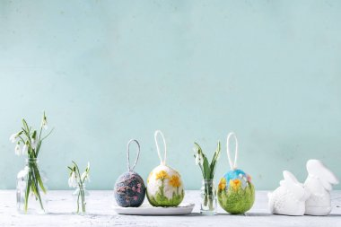 Felting Easter eggs