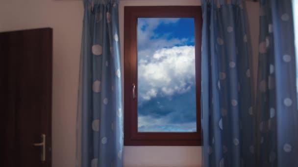 Načasování oblohy z okna místnosti