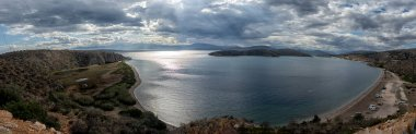 """Картина, постер, плакат, фотообои """"пейзаж, морская панорама пелопоннесский полуостров в греции, красивое побережье, средиземное море ."""", артикул 371882238"""
