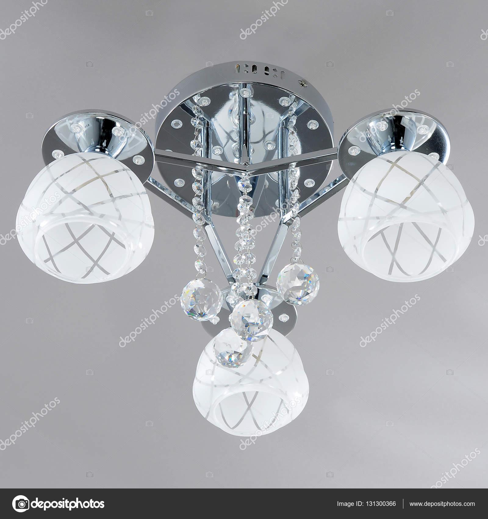 beleuchtung in innenräumen innenräume zimmer kristallkronleuchter beleuchtung für innenräume stockfoto