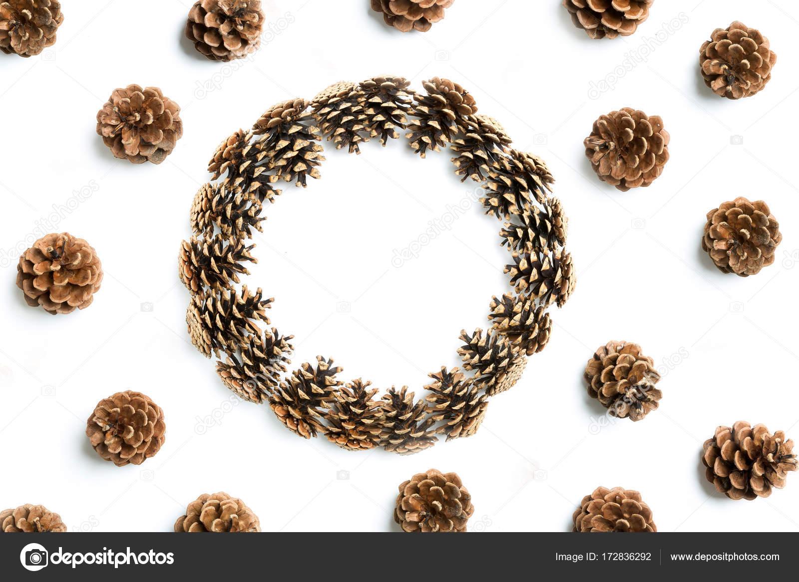 Tannenzapfen, flach legen — Stockfoto © fotyma #172836292