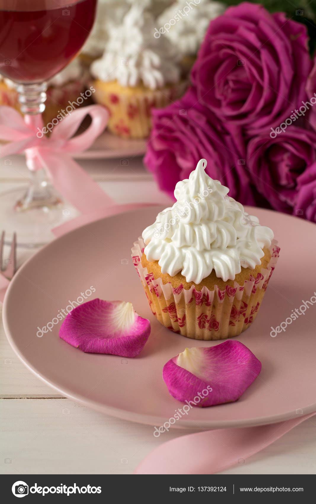 Susse Romantische Cupcakes Fur Valentinstag Stockfoto C Thayra