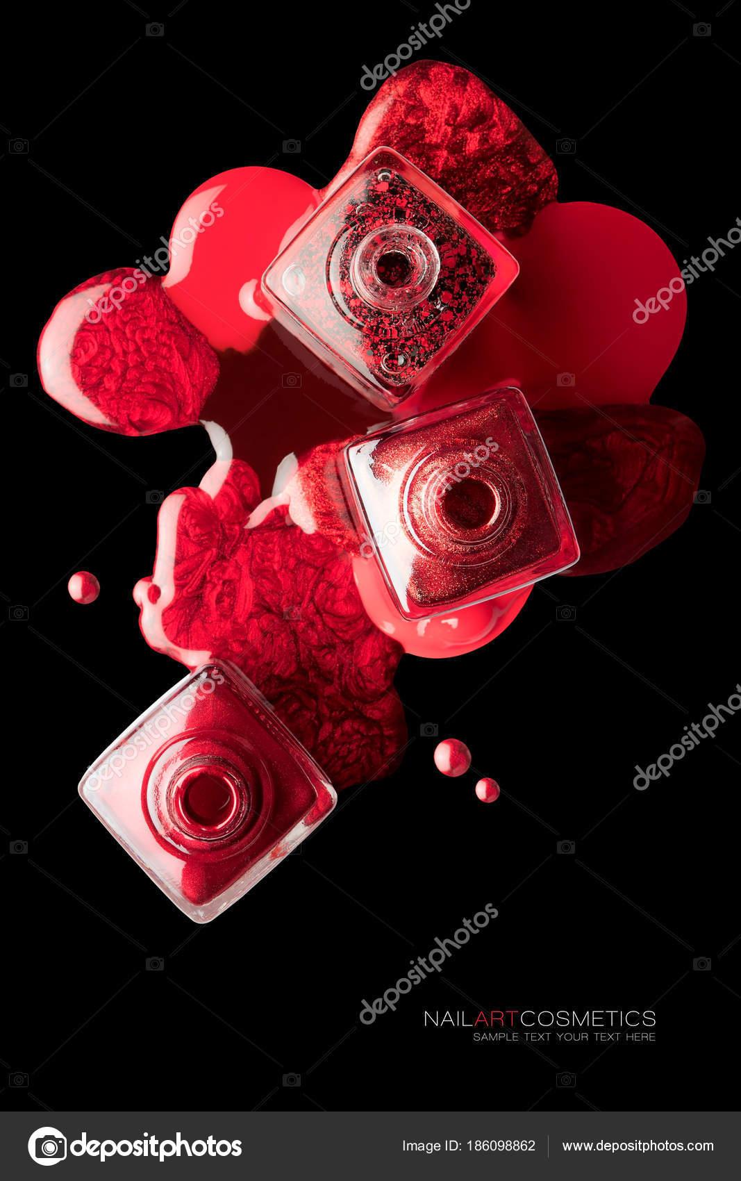 Concepto de arte con la moda laca rojo metálica del clavo — Fotos de ...
