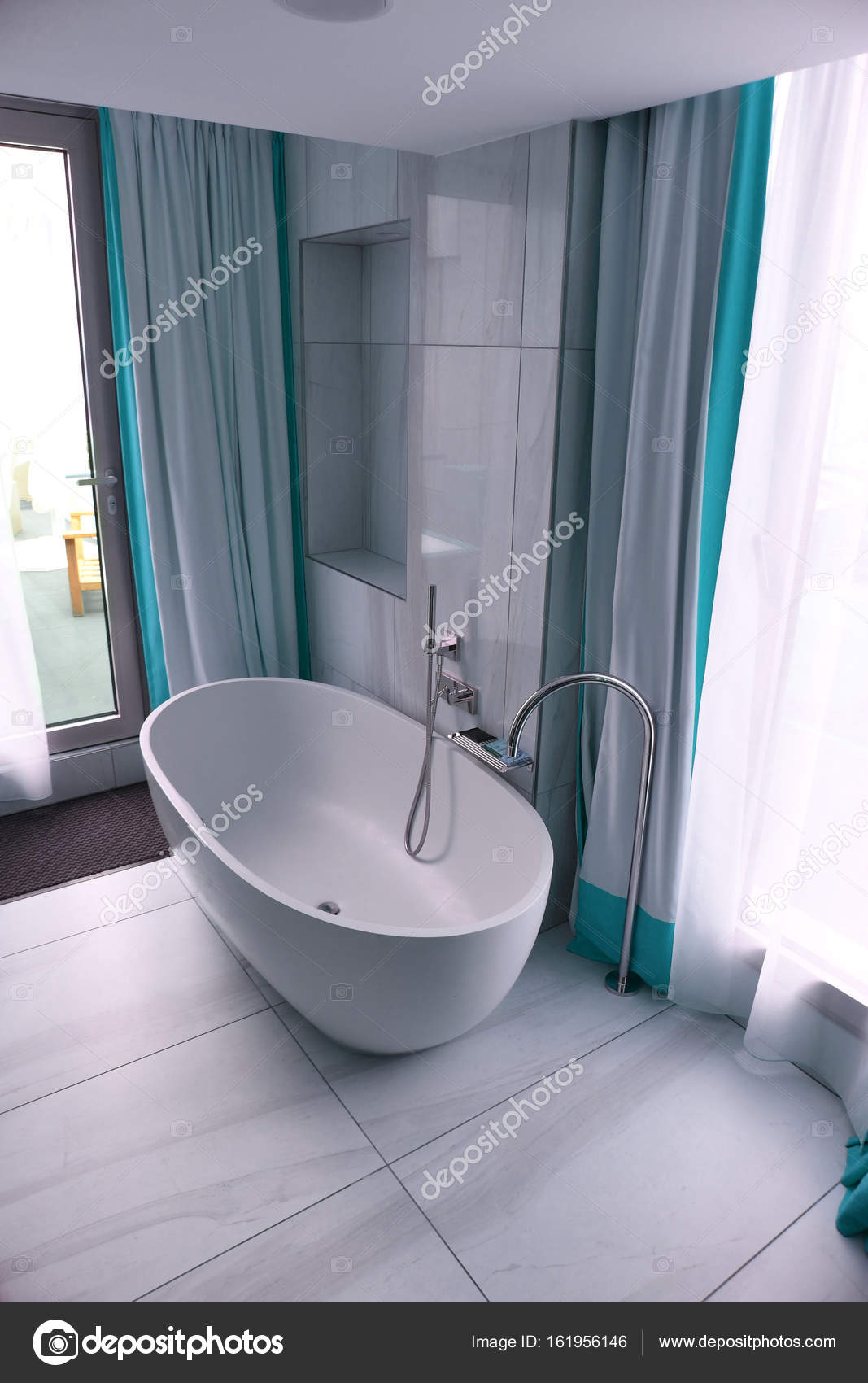Bad badkamer blauw — Stockfoto © Rogez #161956146