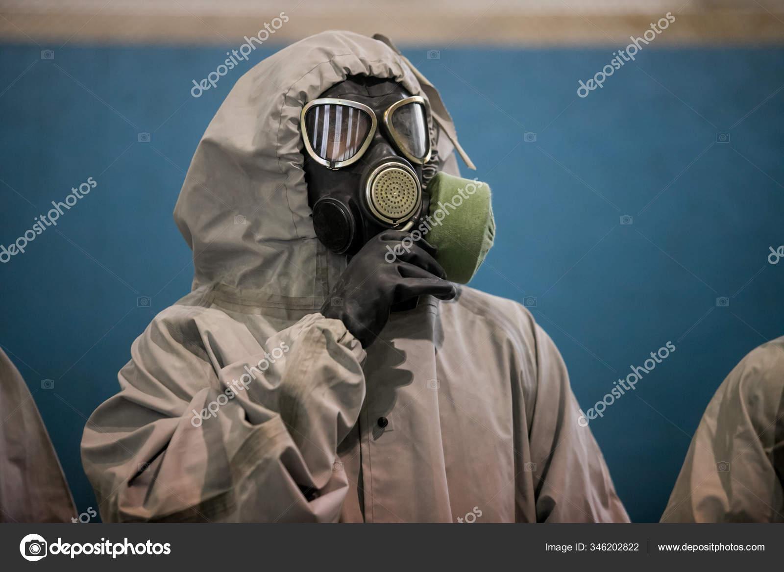 Человек Защитной Маске Защитной Одежде Коронавирусной ...