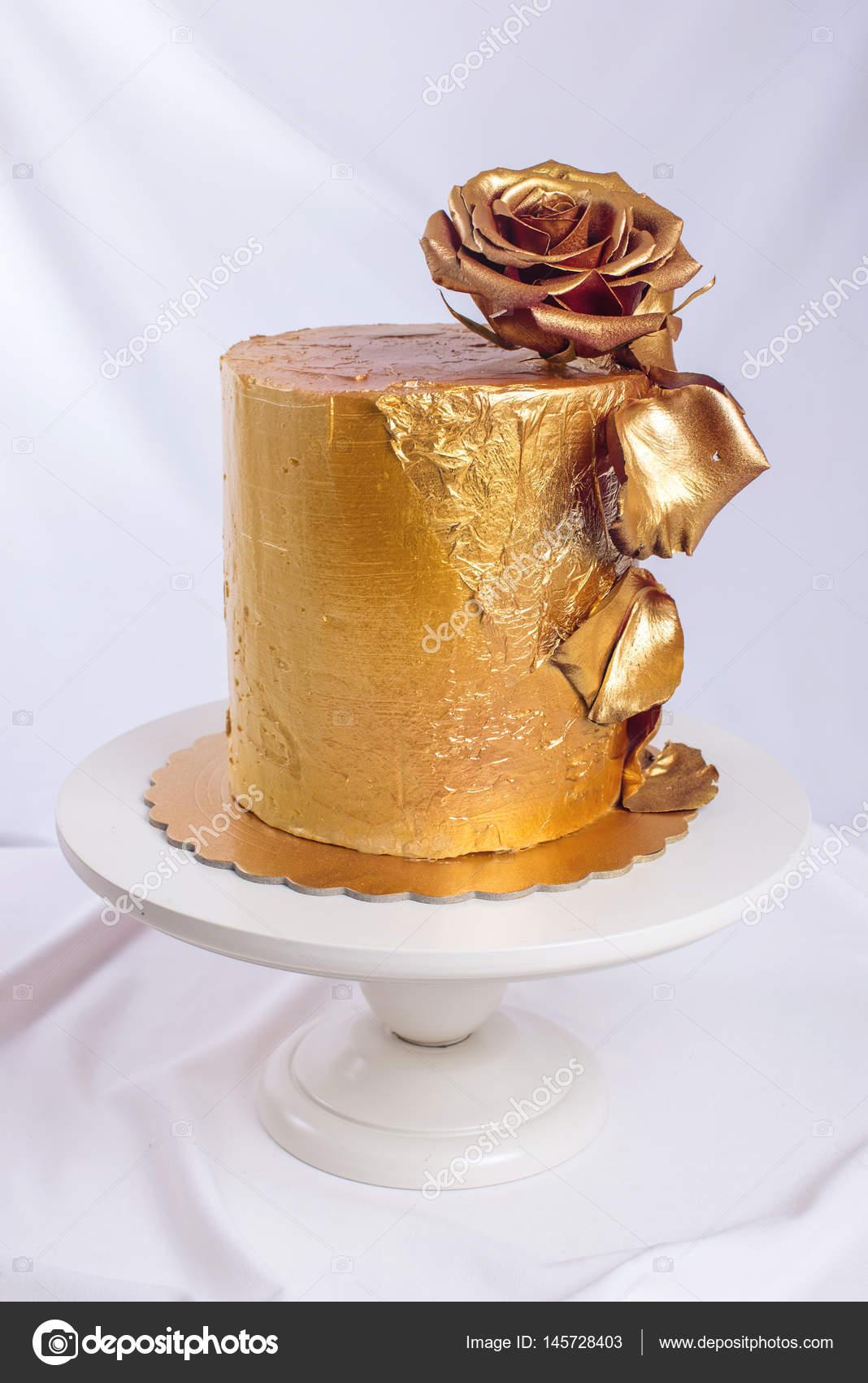 Hochzeitstorte Dekoriert Gold Grun Farbverlauf Mit Handgezeichneten