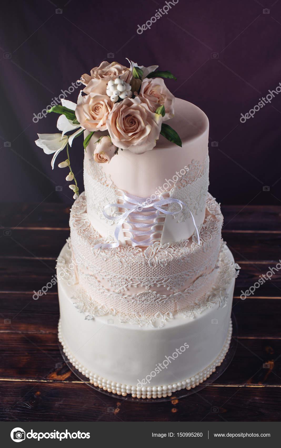 Hochzeitstorte Wie Kleid Mit Schleife In Korsett Mit Rosen