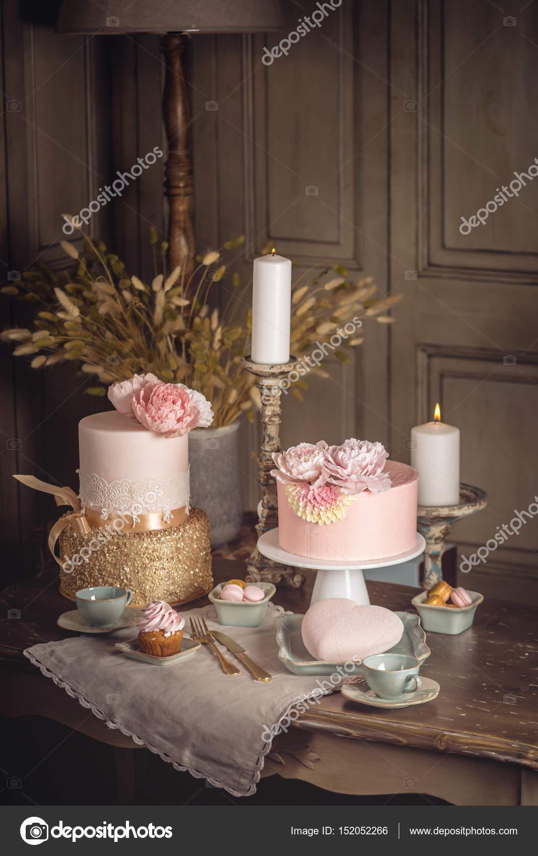 Terrific Rose Gold Birthday Cakes Luxury Wedding Table With A Beautiful Funny Birthday Cards Online Inifodamsfinfo