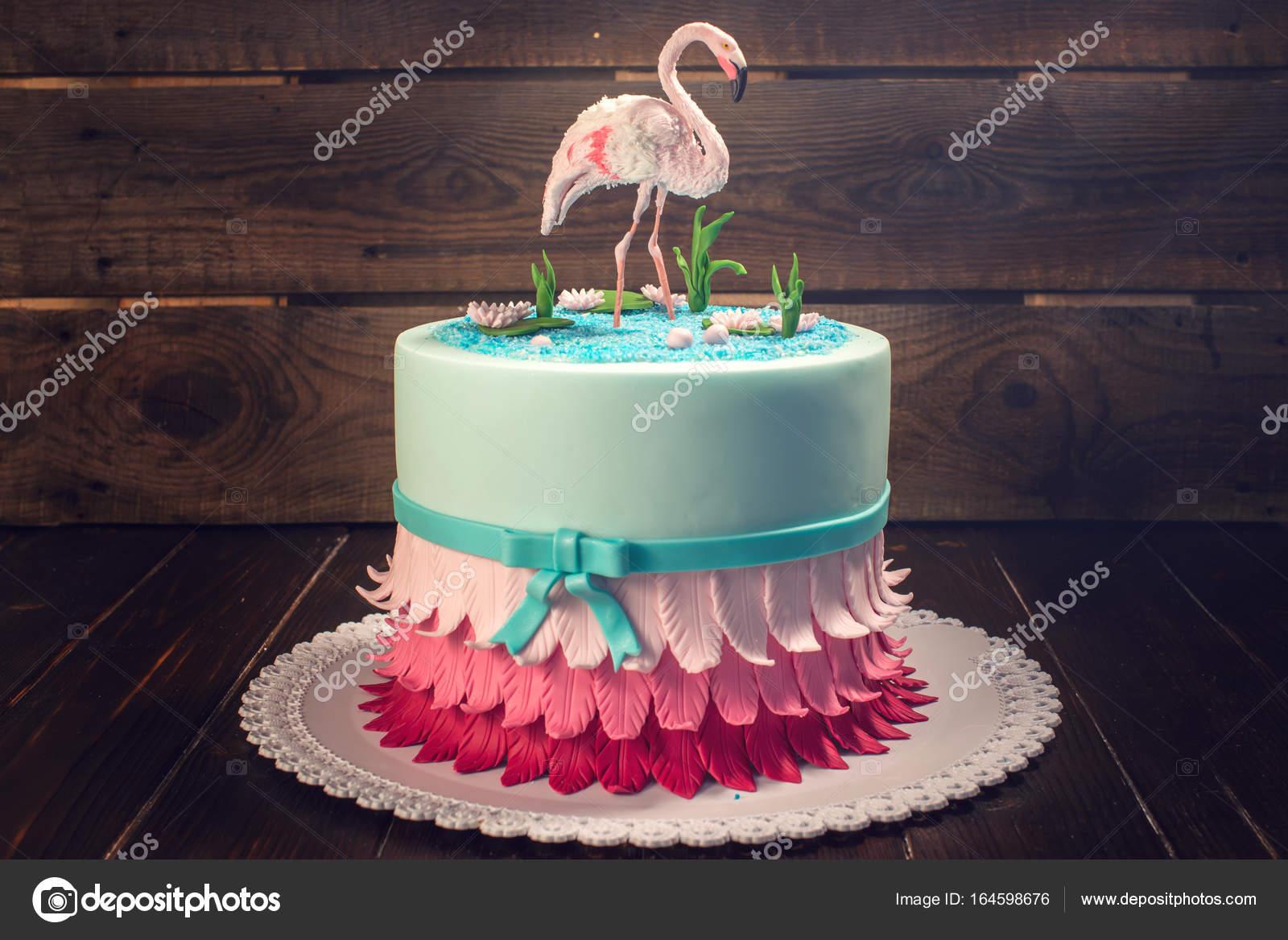 Mooie Taart Gedecoreerd Met Een Figuur Van Roze Flamingos In De