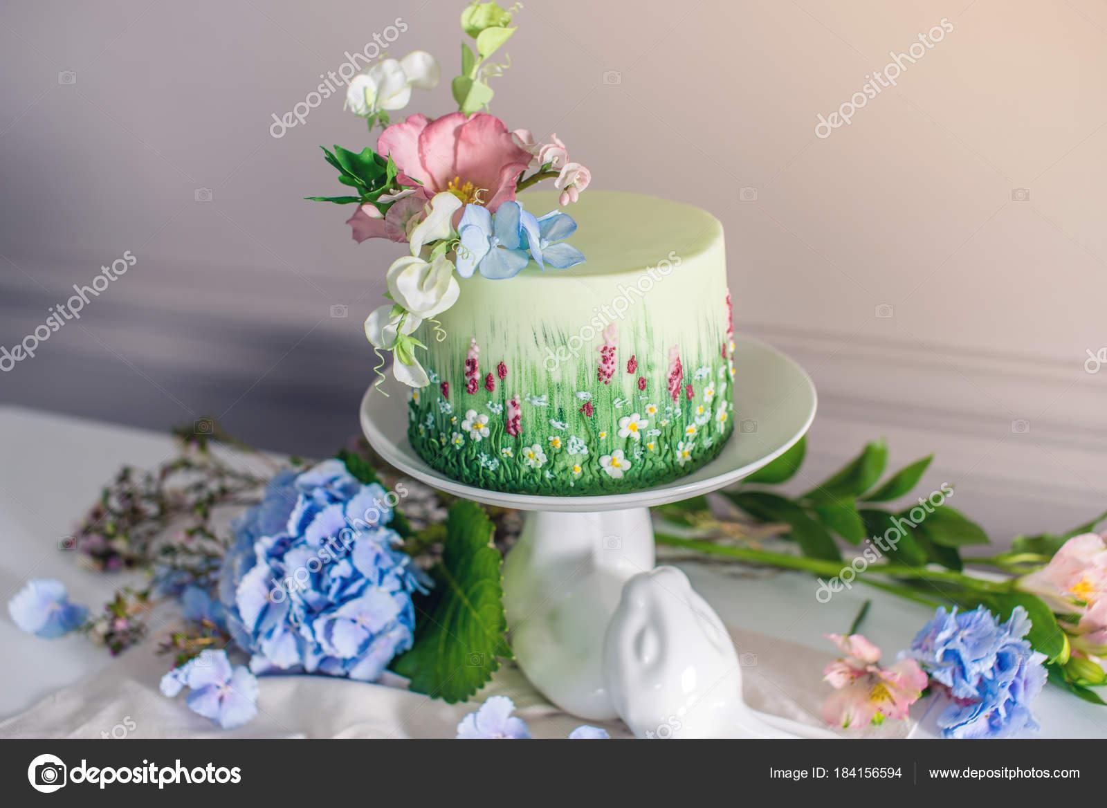 Primavera De Bolo De Casamento Decorado Com Flores Coloridas
