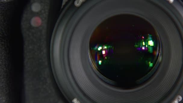 A kamera vesz képek, közeli.