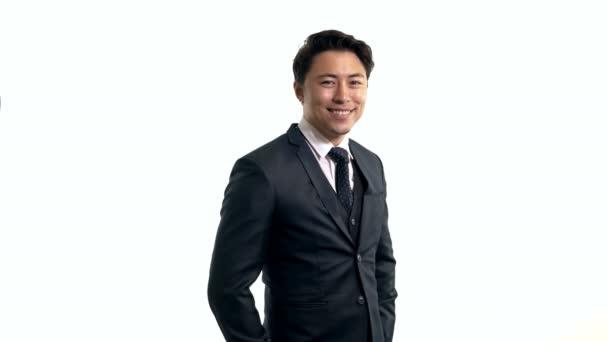 Vonzó üzletember állandó fehér háttér