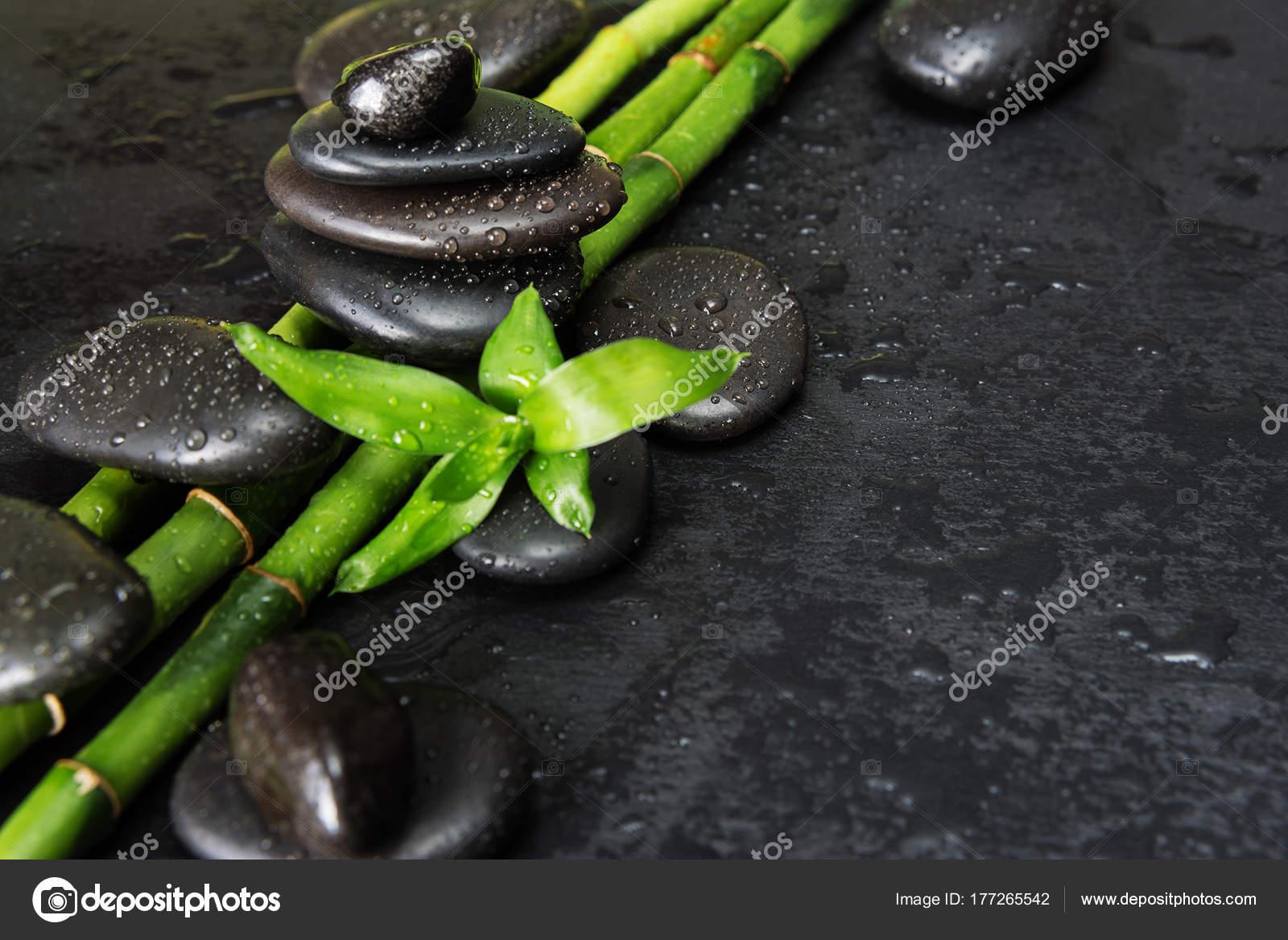 Spa Konzept Mit Zen Steinen Und Bambus Stockfoto C Epitavi 177265542