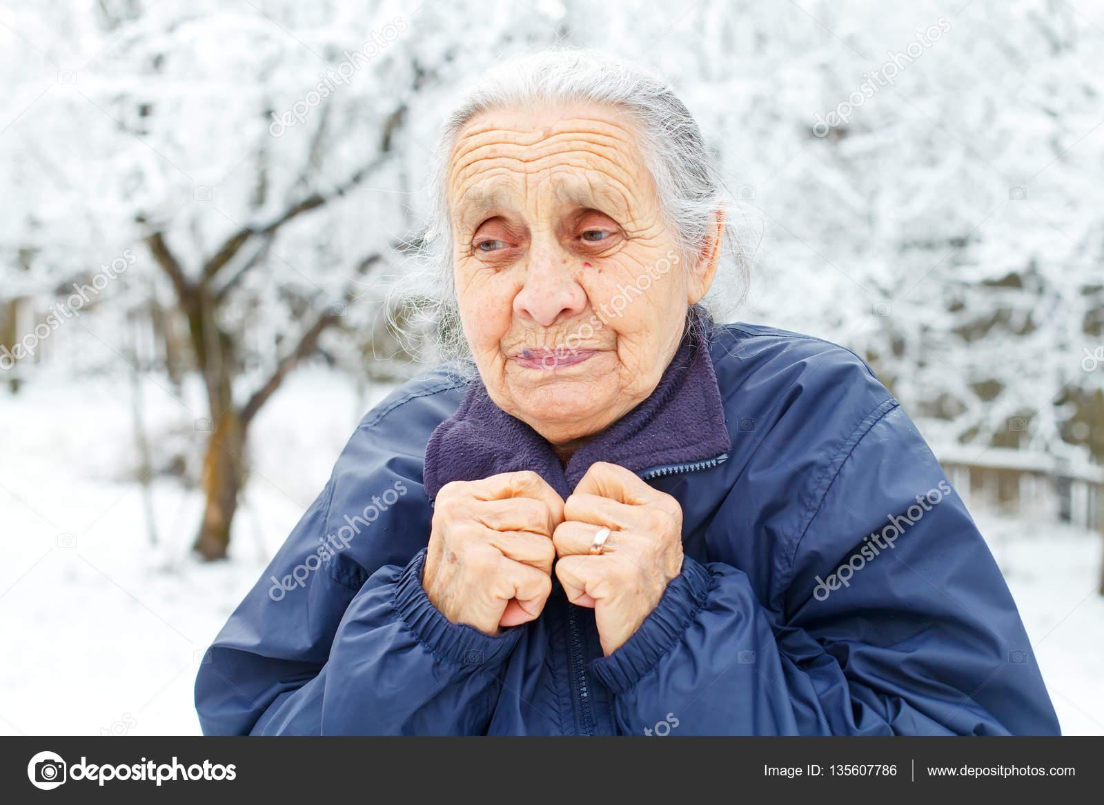 孤独な老婦人 — ストック写真 © ...