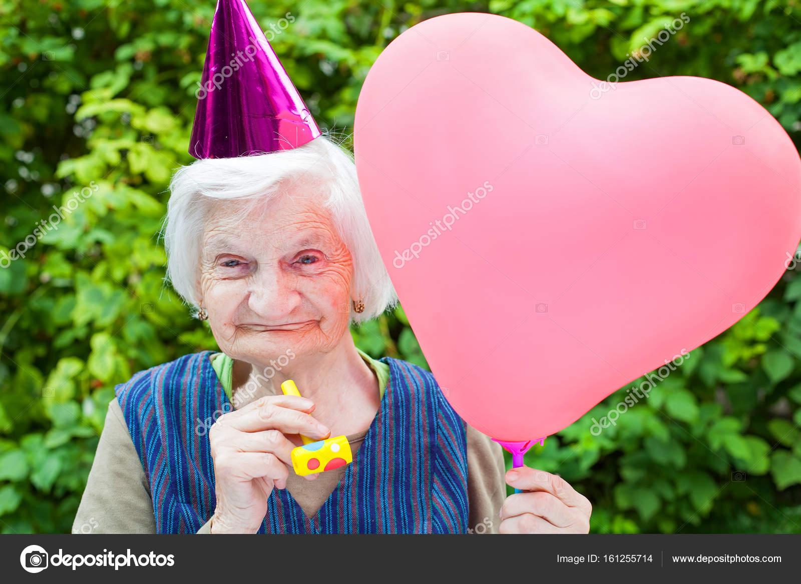 Oudere Vrouw Vieren Verjaardag Stockfoto C Ocskaymark 161255714