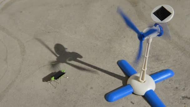 Hračka s baterie solární energií