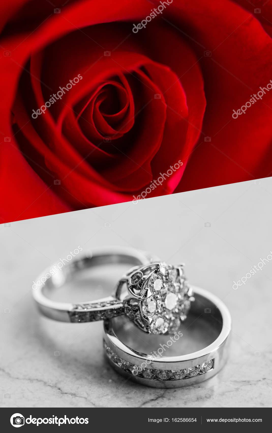 Beautiful jewelry rings with rose — Stock Photo © brostock01 ...