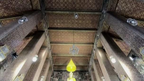 Buddha szobor, a nagyteremben Pho templom Thaiföld