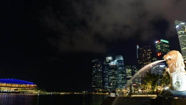 Singapore, Singapore - May 8, 2018 : Time lapse of Singapore city landmark Merlion